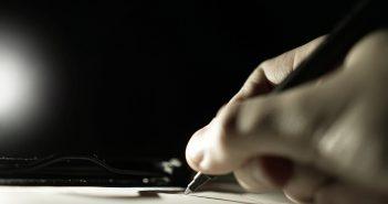 Quel est le rôle d'un commissaire-priseur dans la succession avec un notaire ?