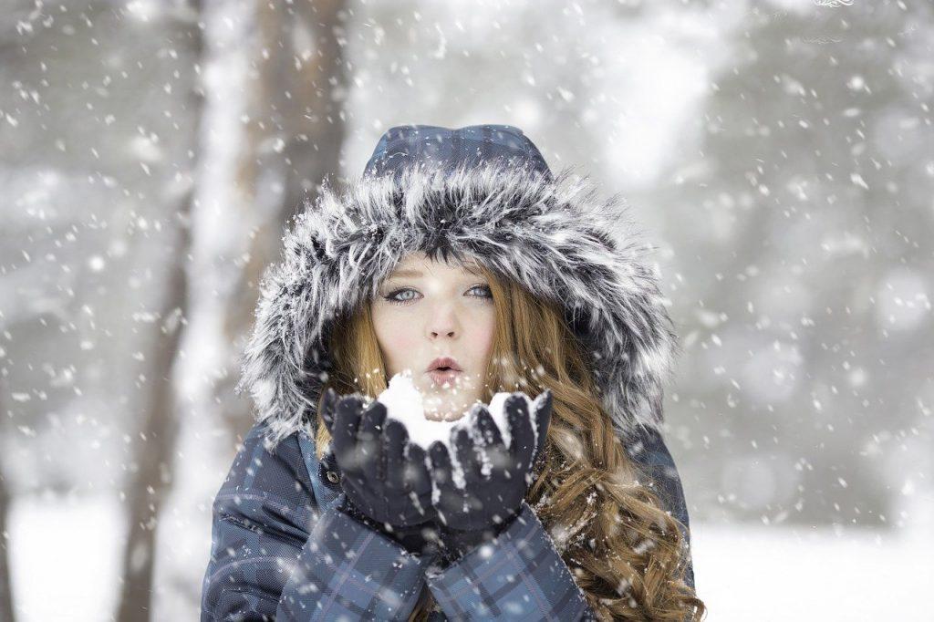 Femme résistante au froid